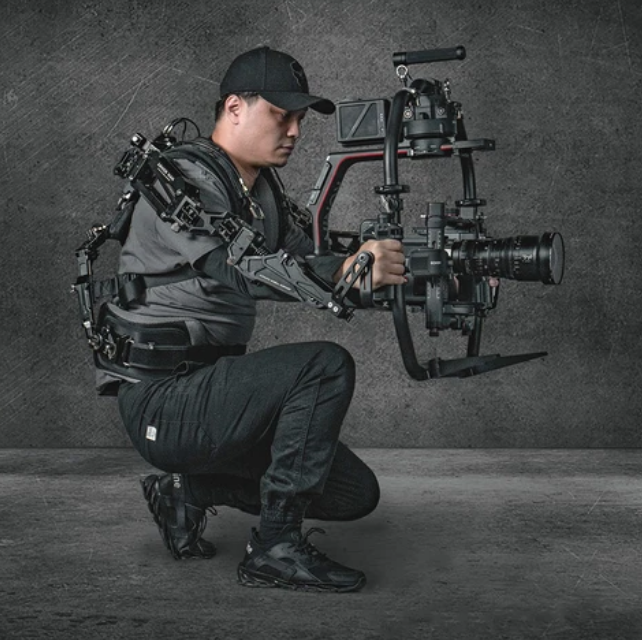 Tilta Armor Man III to rent in Algarve & Andalusia as steadicam for gimbals